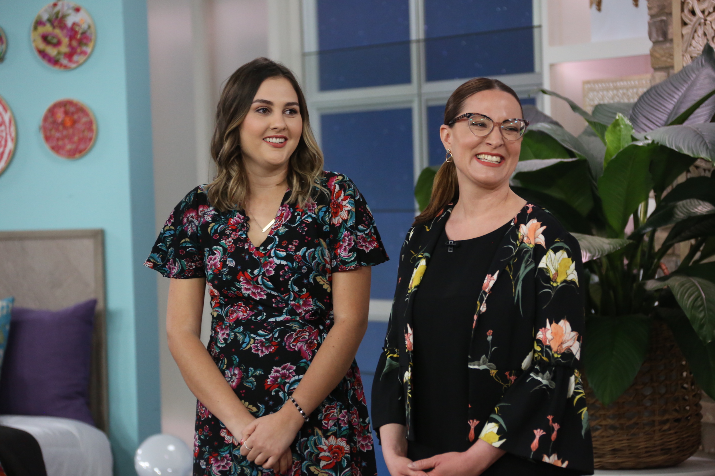 How Waking Up Earlier Can Help You Fall Sleep Better – The Marilyn Denis Show